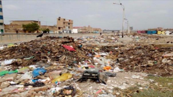 Acumulación de basura en José Leonardo Ortiz