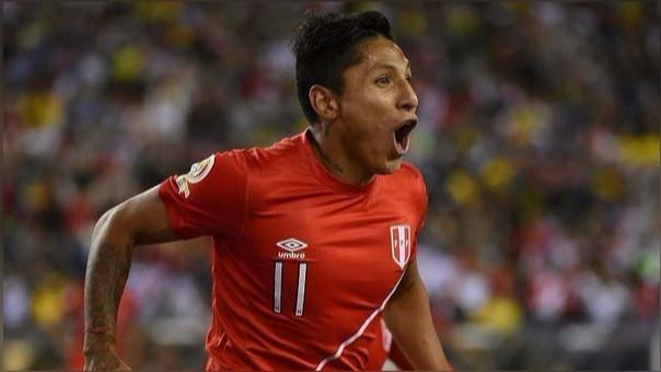 Volvió a suceder. Ruidíaz sufrió un intento de robo tras su llegada a la capital para incorporarse a los entrenamientos que realiza la Selección Peruana con miras a los duelos ante Argentina y Chile.