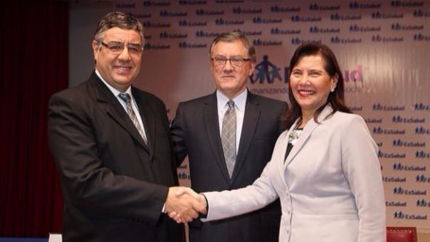 Gabriel del Castillo y la exjefa de EsSalud, Virginia Baffigo.