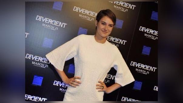 La actriz de la saga Divergente transmitía en vivo su participación en una manifestación pacífica en Dakota cuando fue detenida por la policía local.