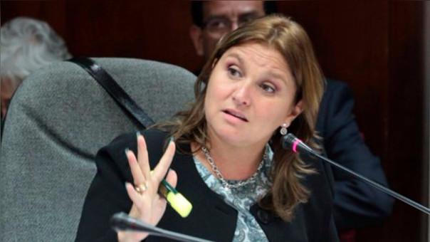 La ministra Pérez Tello presentó su programa para luchar contra la corrupción.