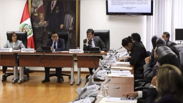 La Comisión de Salud del Congreso es presidida por César Vásquez.
