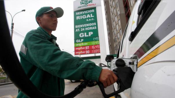Ochoa: Alza de combustibles se debe a acuerdo de OPEP para producir menos crudo.