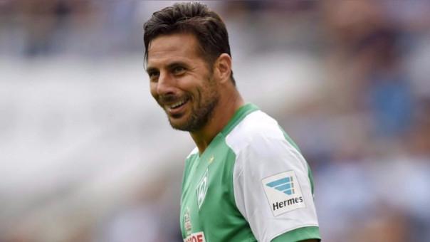 Claudio Pizarro tendrá en Bremen su partido de despedida.