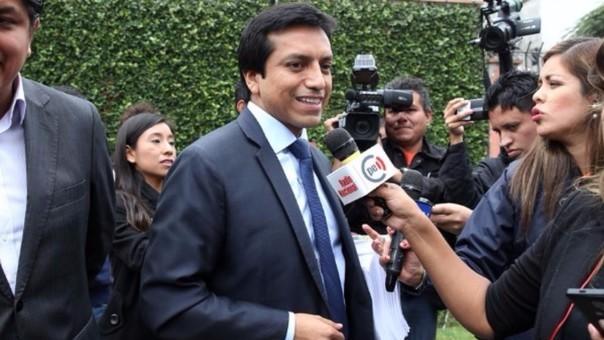 Gilbert Violeta negó las acusaciones en su contra que aducen que cobró dinero a candidatos al Congreso.