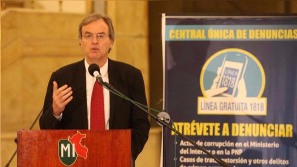 El ministro Carlos Basombrío responsabilizó a la gestión de Humala de inclumplir acuerdos con comuneros.
