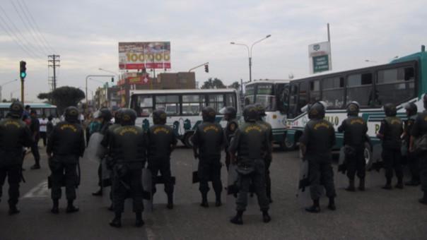 Paro en Trujllo: transportistas exigen liberar a sus compañeros