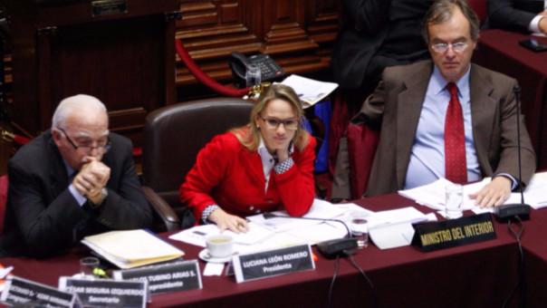 Luciana León exigió respuestas al ministro Basombrío sobre un posible vínculo entre Hezbolá y las protestas de comunidades campesinas en Las Bambas.
