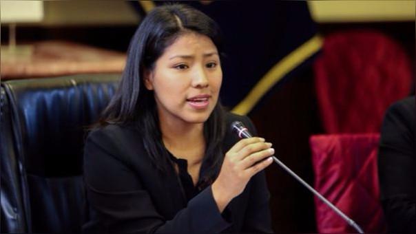 Indira Huilca respondió por su afiliación al SIS.