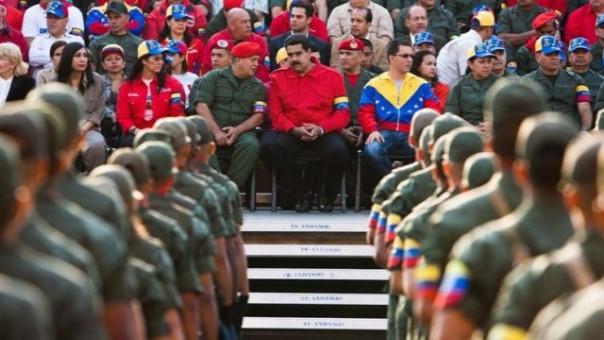 Nicolás Maduro es apoyado por el Ejército en medio de la crisis en su país.