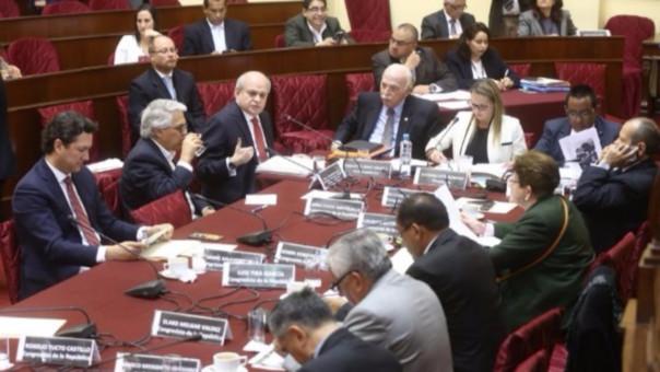 Pedro Cateriano compareció ante la comisión de Defensa que preside Luciana León (Apra).