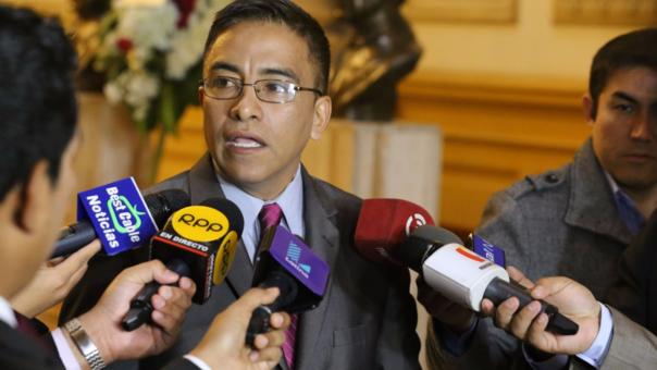 Congresista Roberto Vieira fue separado de bancada PPK