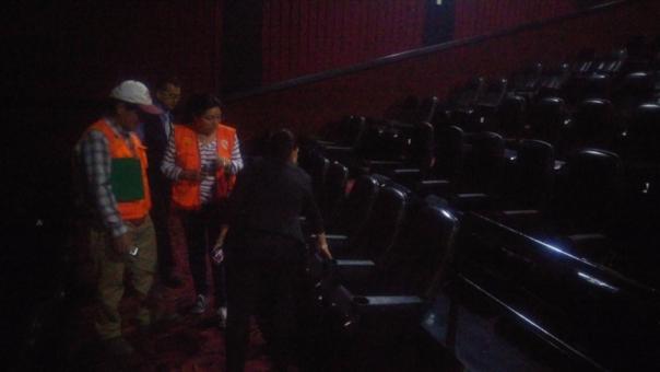 Durante el recorrido se inspeccionó las salas de cine del centro comercial Open Plaza.