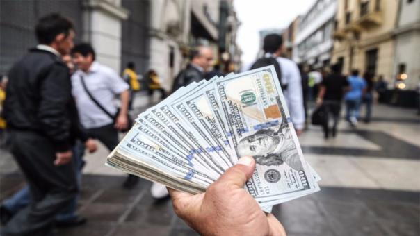 El dólar terminó la jornada subiendo a S/ 3.4250.