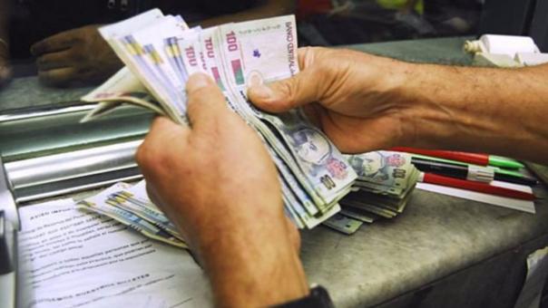 Disminuir el uso de efectivo está asociado a una mayor canalización de recursos a través del sector financiero formal.