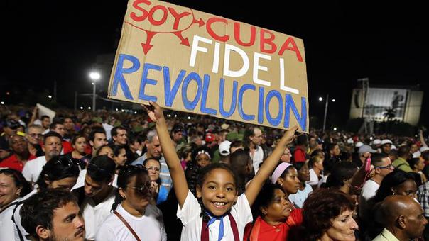 La multitud despide a Fidel Castro en una ceremonia a la que han asistido una veintena de mandatarios.