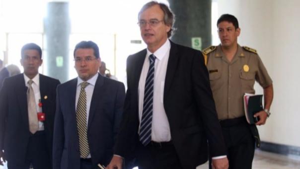 Carlos Basombrío, ministro del Interior felicitó al equipo de la Dirincri por la incautación.