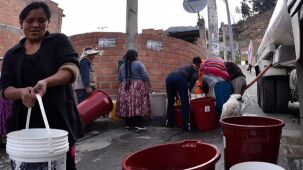 Los largos racionamientos han provocado protestas y bloqueos de calles en tres de las ciudades más grandes de Bolivia, como La Paz, El Alto y Cochabamba, pero también en el área rural, donde se han realizado ritos para pedir a Dios que llueva.