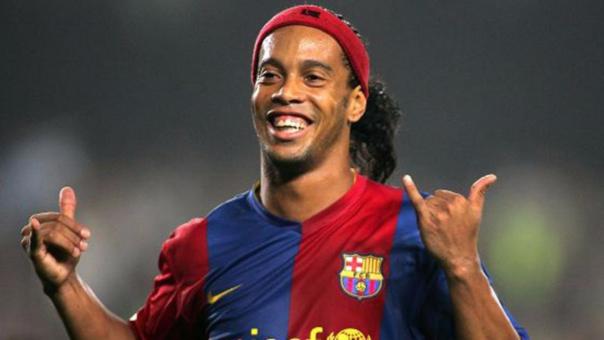 Ronaldinho no juega desde el 2015. Jugó 7 partidos en el Fluminense.