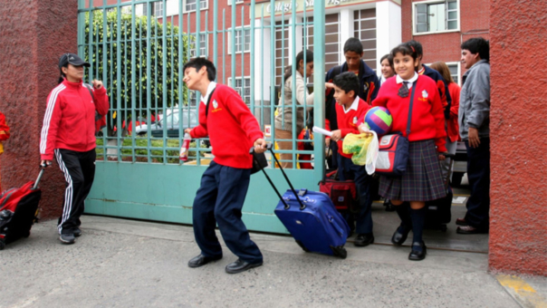 Indecopi: Colegios privados solo pueden cobrar por cuota de ingreso, matrícula y pensiones.