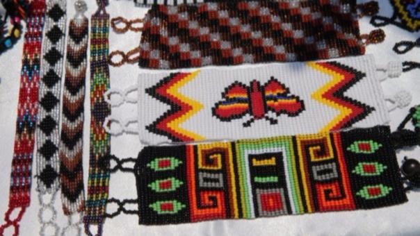 Las artesanías son exhibidas en la Alameda Chabuca Granda