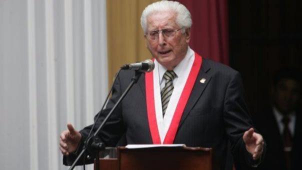 Durante el primer gobierno de Fernando Belaúnde Terry, fue nombrado Ministro de Gobierno y Policía en noviembre de 1965; sin embargo, en 1966 el congreso lo interpeló luego de un enfrentamiento entre policías y manifestantes en Toquepala, el cual había dejado como saldo un muerto.