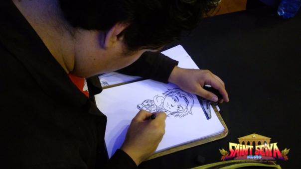 Favian Carranza en pleno dibujo
