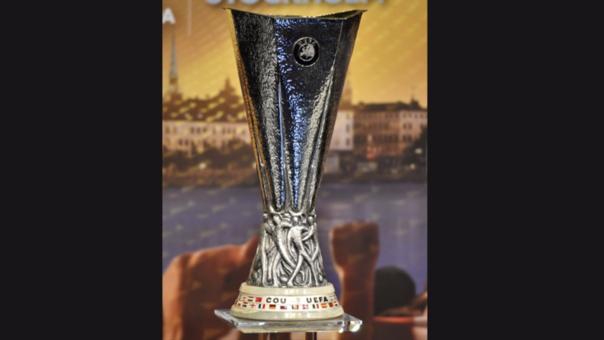 El trofeo que se llevará el ganador de la Europa League.