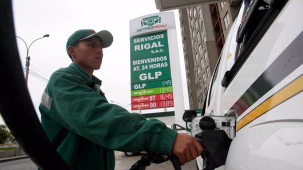 Combustibles crecieron hasta en S/1.15 más por galón en lo que va del mes.