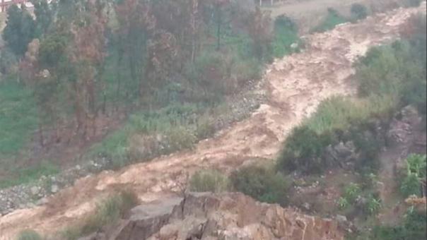 Emergencia por huaico en Santa Eulalia debido a las intensas lluvias del fin de semana.