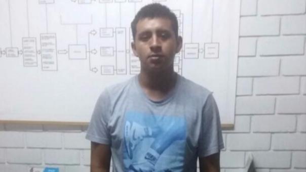 Los agentes de la Policía y de la concesionaria LAP detuvieron al presunto delincuente.