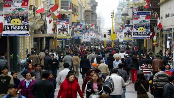 San Juan de Lurigancho es el distrito más poblado de Lima y Surquillo el de mayor densidad poblacional.