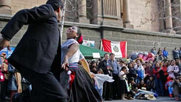 El número de residentes peruanos en Chile disminuyó considerablemente.