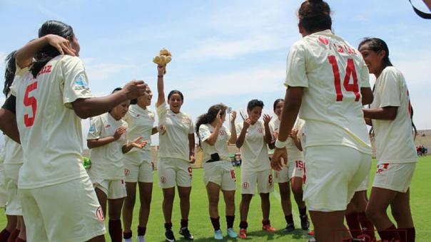 Universitario de Deportes tricampeón nacional de fútbol femenino.
