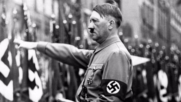 El partido Nacionalsocialista Obrero Alemán fue liderado por Adolf Hitler. Tomó el poder completo de Alemania en 1934, tras la muerte del presidente alemán Paul von Hindenburg.