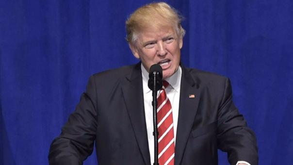 Trump usó un discuros ante las tropas de EE.UU. par atacar a la prensa.