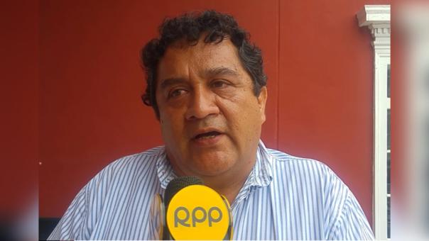 El gerente regional de Educación, Rafael Moya