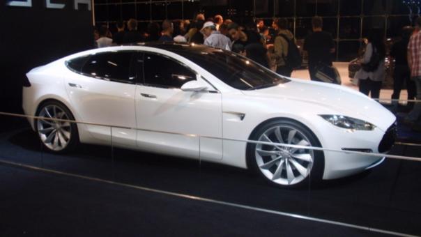 El nuevo Tesla acelera en apenas 2,3 segundos a más de 100 km/h