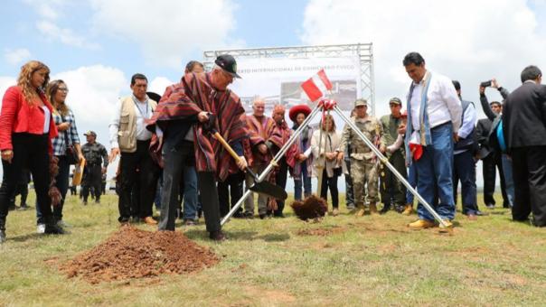 Mendoza ha sido crítica de la adenda con la que el Gobierno comenzó la construcción del Aeropuerto de Chinchero.