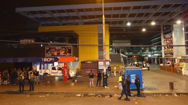 Masacre en Lima Norte dejó cuatro víctimas y diez heridos tras el ataque de Eduardo Glicerio Romero Naupay (32), quien fue abatido por un policía civil que se encontraba en el lugar.