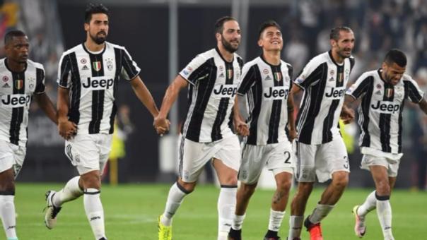 Juventus fue ue el primer club italiano y del sur europeo en ganar la Copa de la UEFA (temporada 1976-77).