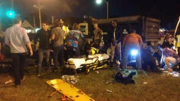 Camioneta atropella a multitud en Nueva Orleans
