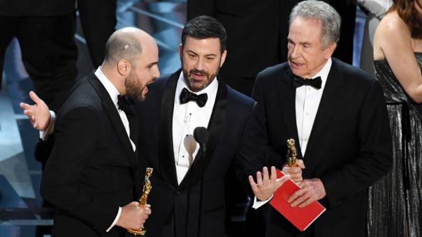El error con el nombre del ganador a Mejor Película ha sido el hecho más polémico en la historia de los Oscar