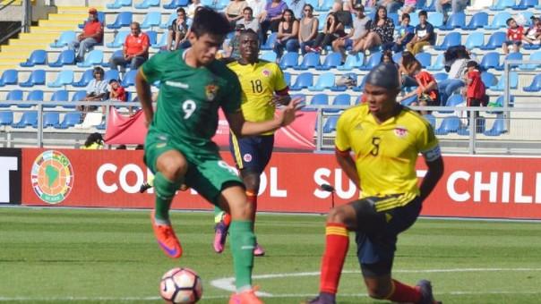 Sebastián Melgar juega en las divisiones menores de Boca Juniors.