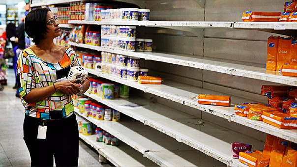 La escasez de algunos productos es una escena del día en Venezuela.