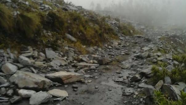 Rocas obstaculizaron el tránsito por varias horas hasta el accionar de Defensa Civil.