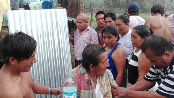 El dramático momento en que soldados salvan a niños atrapados por inundaciones