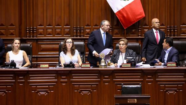 El pedido fue presentado ante la Mesa Directiva del Congreso, presidida por Luz Salgado.