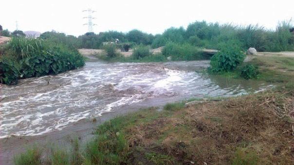 Primer piso de viviendas inundados tras desborde de río — Huarmey clama ayuda
