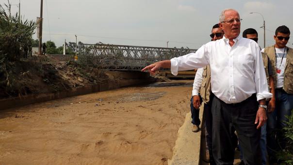 La Libertad: Kuczynski sobrevoló zonas afectadas [FOTOS]
